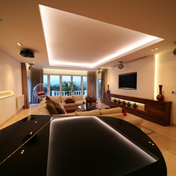 Hi-Tech-Living-Room-4