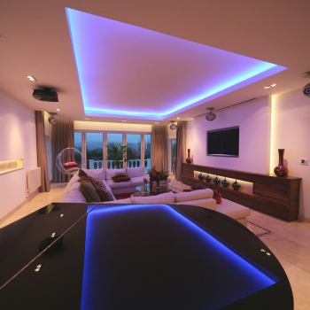 Hi-Tech-Living-Room-5